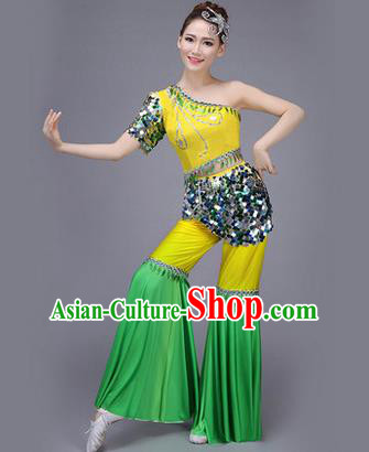 Traditional Chinese Dai Nationality Peacock Dance Costume, Folk Dance Ethnic Pavane Clothing, Chinese Minority Nationality Dance Dress Green Suit for Women