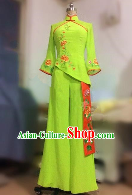 Traditional Ancient Chinese National Folk Yanko Dance Embroidery Costume, Elegant Hanfu China Classical Dance Dress Green Clothing for Women