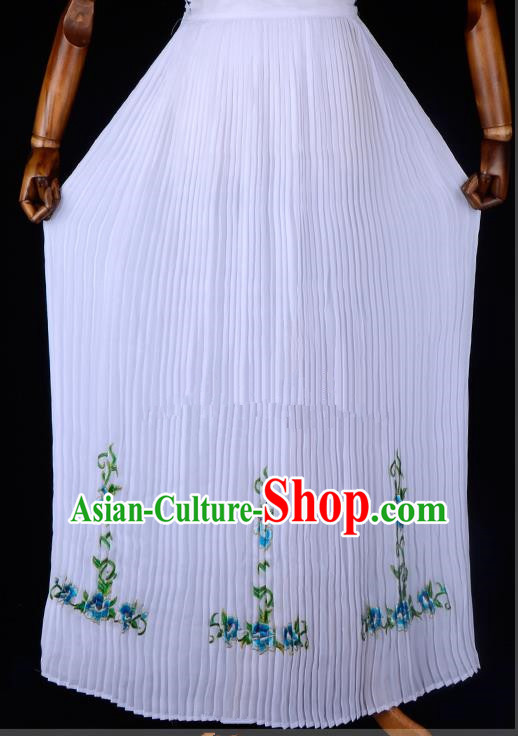 Traditional China Beijing Opera Young Lady Hua Tan Costume Embroidered Pleated Skirt, Ancient Chinese Peking Opera Diva Embroidery Bust Skirt