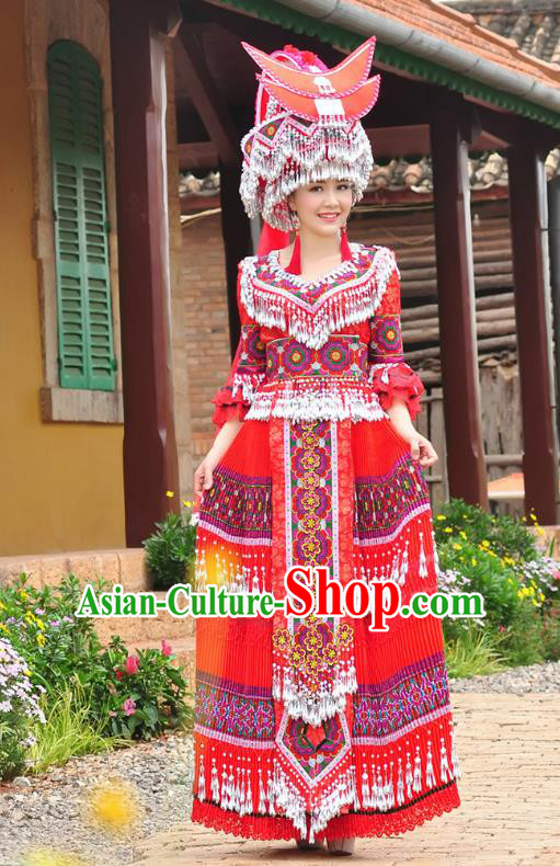 Traditional Chinese Miao Nationality Wedding Bride Costume Red Tassel Long Pleated Skirt and Hat, Hmong Folk Dance Ethnic Chinese Minority Nationality Embroidery Clothing for Women