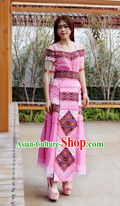 Traditional Chinese Miao Nationality Wedding Bride Costume Embroidered Pink Beads Long Pleated Skirt, Hmong Folk Dance Ethnic Chinese Minority Nationality Embroidery Clothing for Women