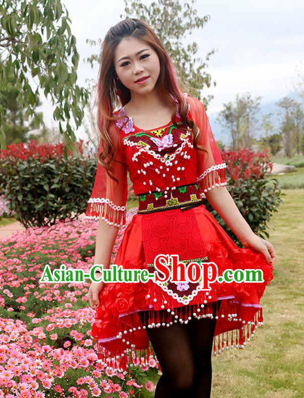 Traditional Chinese Miao Nationality Wedding Costume Embroidered Red Bells Pleated Skirt, Hmong Folk Dance Ethnic Chinese Minority Nationality Embroidery Clothing for Women