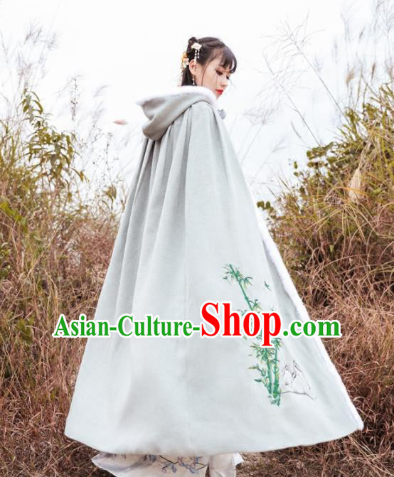 Chinese Ancient Ming Dynasty Swordswoman Costumes Embroidered Bamboo Cloak for Women
