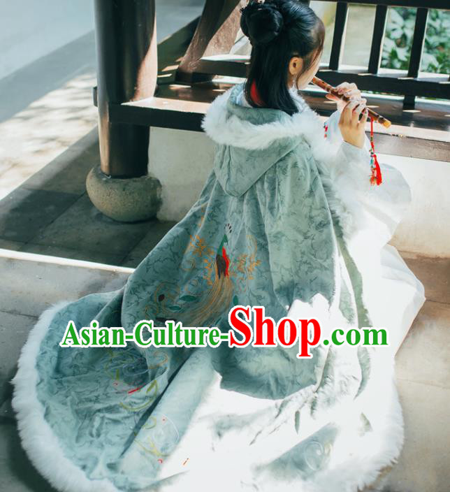Chinese Traditional Costume Ancient Ming Dynasty Princess Embroidered Green Cloak for Women