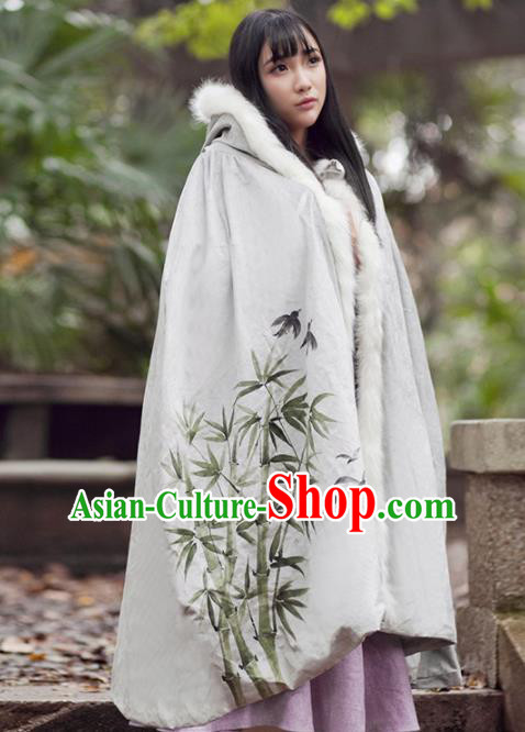 Chinese Traditional Costumes Ancient Princess Hanfu Embroidered Bamboo Cloak for Women