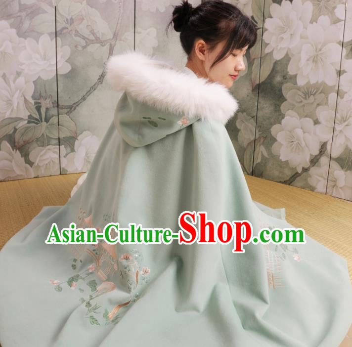 Chinese Ancient Ming Dynasty Princess Costume Embroidered Green Cloak for Women