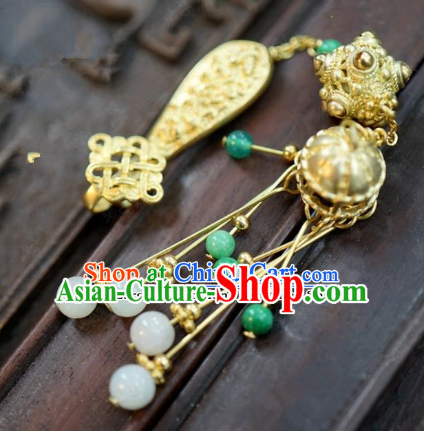 Chinese Traditional Palace Golden Brooch Ancient Bride Hanfu Breastpin Jewelry Accessories for Women