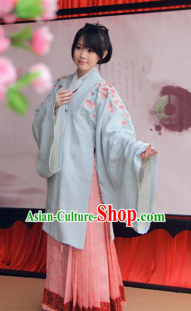 Asian China Ancient Princess Costume Chinese Ming Dynasty Palace Lady Embroidered Clothing for Women