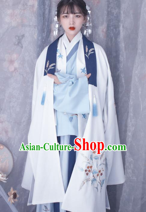 Chinese Ancient Ming Dynasty Princess Costumes Embroidered Cloak for Women