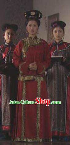 Chinese Ancient Qing Dynasty Empress of Kangxi Historical Costume Manchu Embroidered Dress for Women