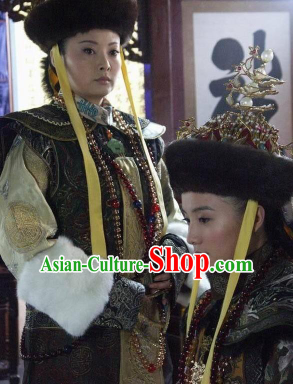 Chinese Ancient Qing Dynasty Manchu Historical Costume Queen Mother Embroidered Dress for Women