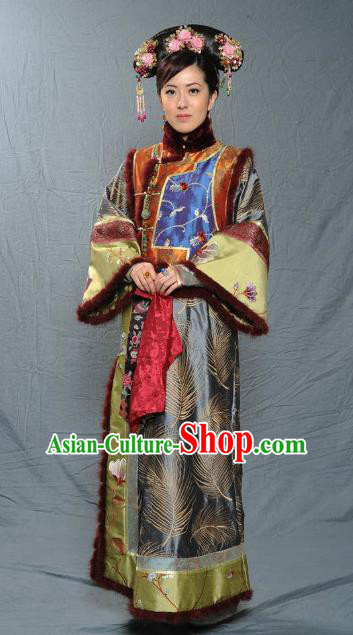 Chinese Qing Dynasty Manchu Senior Concubine of Kangxi Historical Costume Ancient Palace Lady Clothing for Women