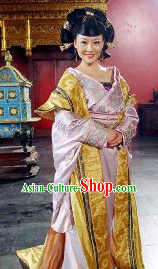 Ancient Chinese Ming Dynasty Imperial Concubine Zhang of Zhu Youxiao Embroidered Historical Costume and Headpiece Complete Set for Women