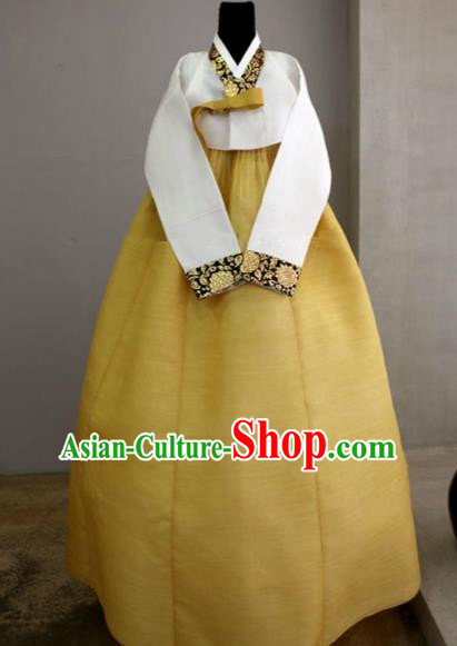 Korean Traditional Bride Hanbok Formal Occasions White Blouse and Yellow Dress Ancient Fashion Apparel Costumes for Women