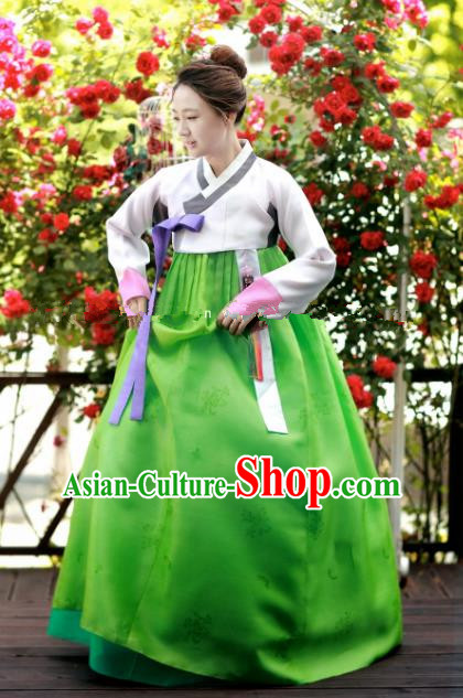 Korean Traditional Bride Hanbok Formal Occasions White Blouse and Green Dress Ancient Fashion Apparel Costumes for Women