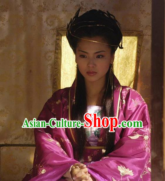 Chinese Ancient Southern Tang Dynasty Empress of Li Yu Zhou E-Huang Embroidered Replica Costume for Women