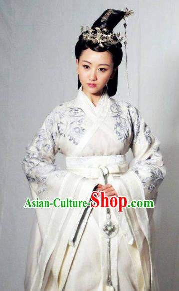 Chinese Ancient Northern and Southern Dynasties Qi Kingdom Empress Xiao Hanfu Dress Replica Costume for Women