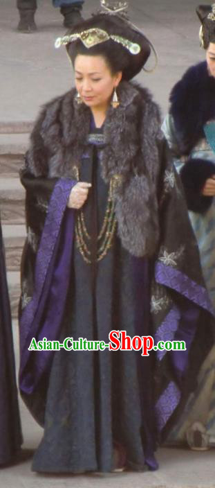 Chinese Ancient Five Dynasties and Ten Kingdoms Northern Han Empress Dowager Dugu Hanfu Dress Replica Costume for Women