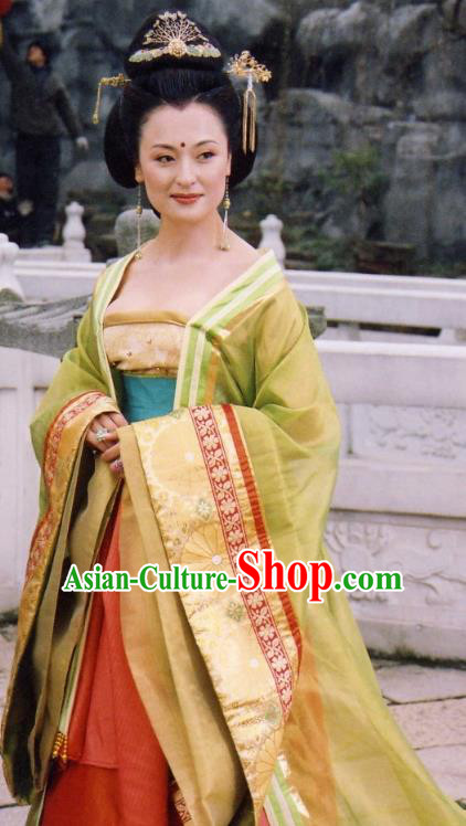 Ancient Chinese Tang Dynasty Imperial Consort Yang Yuhuan Embroidered Dress Replica Costume for Women