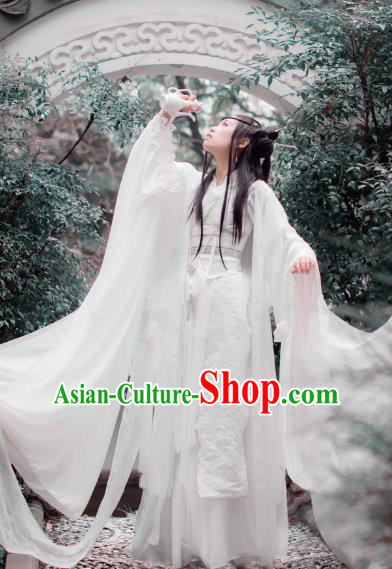 Chinese Ancient Cosplay Knight Costume Han Dynasty Swordswoman Embroidered White Hanfu Dress for Women