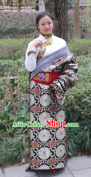 Chinese Traditional Tibetan Robe Minority Costume Zang Nationality Clothing for Women