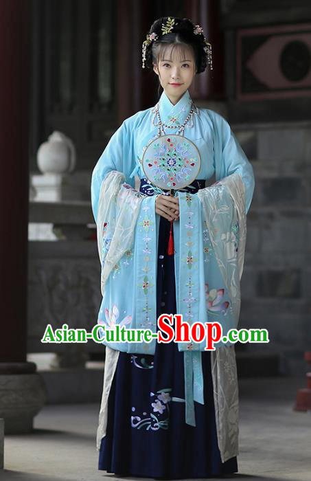 Ancient Chinese Fairy Princess Embroidered Costume Jin Dynasty Beauty Hanfu Dress and Hair Jewelry for Rich Women