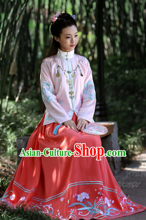 Chinese Ancient Nobility Lady Hanfu Dress Ming Dynasty Princess Embroidered Costumes and Jewelry Accessories for Women