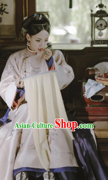 Story of Yanxi Palace Ancient Chinese Qing Dynasty Imperial Consort Embroidered Costumes and Headpiece for Women