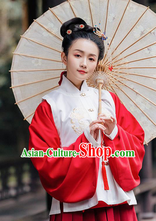 Traditional Chinese Ming Dynasty Costume Embroidered White Vest for Rich Women