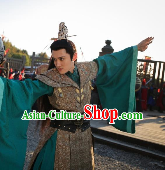 Chinese Ancient Swordsman Royal Highness Embroidered Costumes and Headpiece for Men