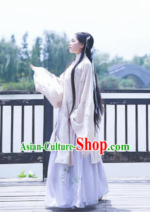 Chinese Ancient Nobility Lady Embroidered Dress Ming Dynasty Costumes Complete Set for Rich Women
