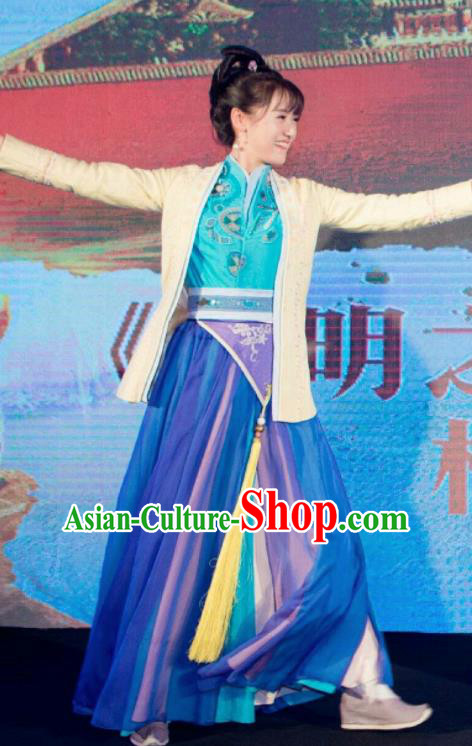 Chinese Traditional Ming Dynasty Replica Costumes Ancient Swordswoman Clothing for Women