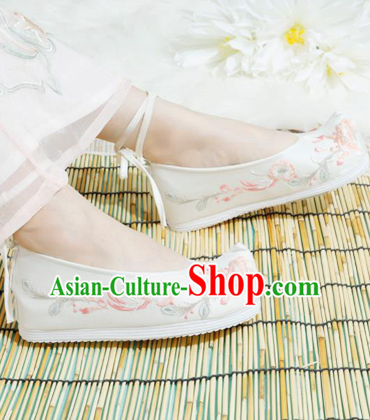 Chinese National White Embroidered Shoes Ancient Traditional Princess Shoes Hanfu Shoes for Women
