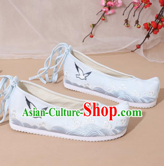 Chinese National Blue Embroidered Shoes Ancient Traditional Princess Shoes Hanfu Shoes for Women