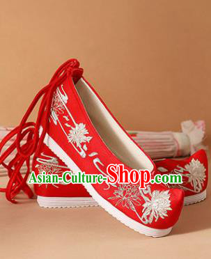 Chinese National Embroidered Chrysanthemum Red Shoes Ancient Traditional Princess Shoes Wedding Hanfu Shoes for Women