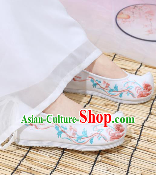 Traditional Chinese National White Embroidered Shoes Ancient Princess Shoes Handmade Hanfu Shoes for Women