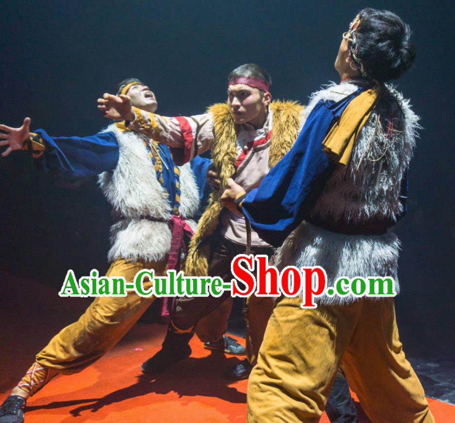 Chinese The Romantic Show of Lijiang Stage Performance Dance General Costume for Men