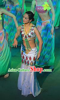 Chinese Lishui Jinsha Dai Nationality Peacock Dance White Dress Ethnic Stage Performance Costume and Headpiece for Women