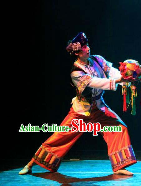 Chinese Dream Like Lijiang Zhuang Nationality Clothing Stage Performance Dance Costume for Men