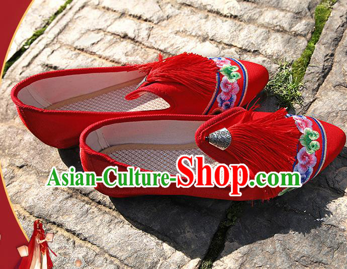 Chinese National Red Tassel Embroidered Shoes Traditional Hanfu Shoes Opera Shoes Wedding Bride Shoes for Women