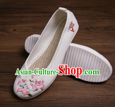 Traditional Chinese Handmade Shoes White Embroidered Shoes Hanfu Shoes for Women