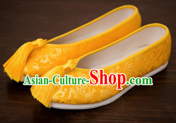 Traditional Chinese Handmade Hanfu Shoes Yellow Tassel Embroidered Shoes Satin Shoes for Women