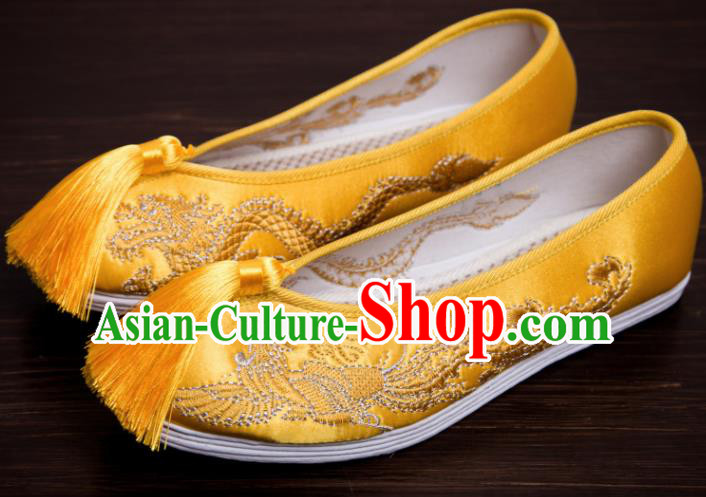 Traditional Chinese Handmade Golden Tassel Satin Shoes Hanfu Shoes Embroidered Shoes for Women