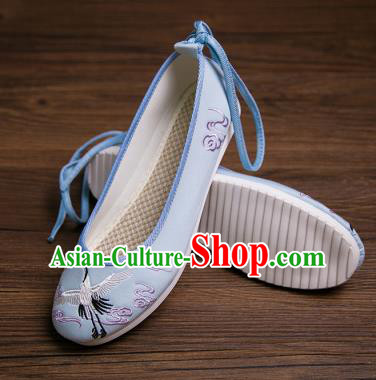 Traditional Chinese Handmade Hanfu Shoes Embroidered Crane Blue Shoes Cloth Shoes for Women