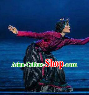 Chen Ai Luo Ding Chinese Tibetan Nationality Dress Stage Performance Dance Costume and Headpiece for Women