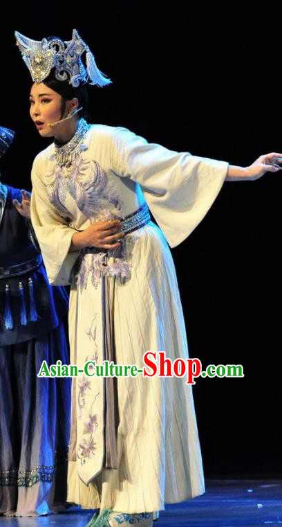Drama Qian Yun Cliff Chinese Zhuang Nationality White Dress Stage Performance Dance Costume and Headpiece for Women