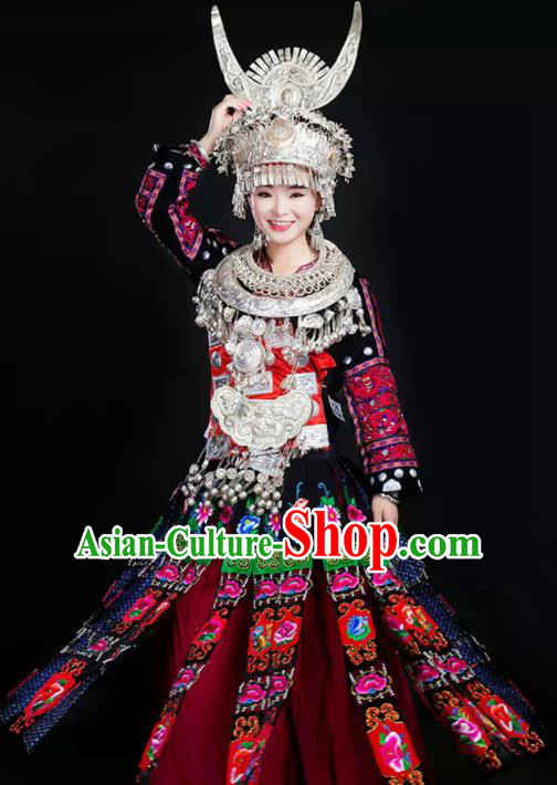 Chinese Traditional Hmong Ethnic Costume Miao Nationality Folk Dance Black Dress and Headdress for Women