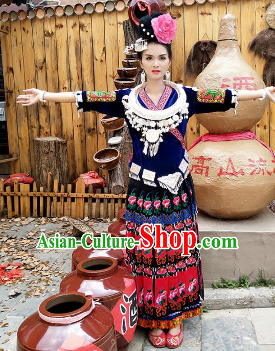 Chinese Traditional Hmong Ethnic Costume Miao Nationality Female Pleated Skirt and Headdress for Women