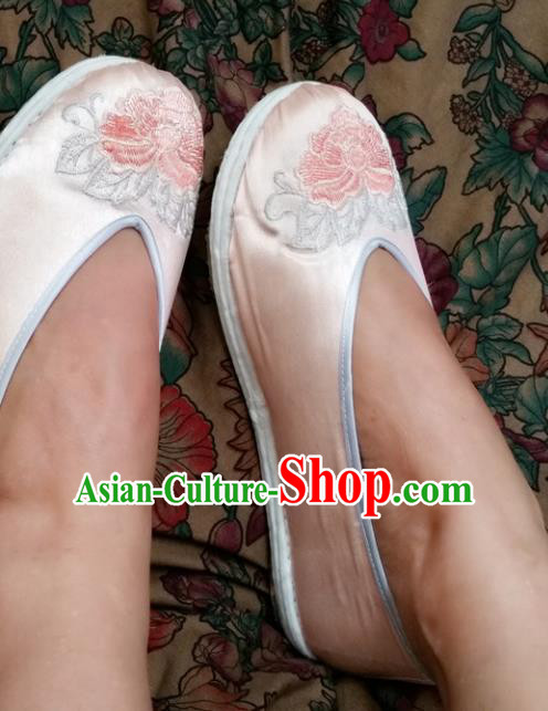 Chinese National Pink Silk Shoes Traditional Cloth Shoes Hanfu Shoes Embroidered Peony Shoes for Women