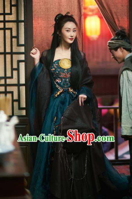 The Knight of Shadows Chinese Ming Dynasty Courtesan Hanfu Dress Ancient Fairy Historical Costume and Headpiece for Women